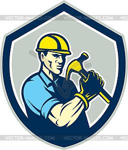 Builder Zimmermann hält Hammer-Schild Retro - Vektorgrafik