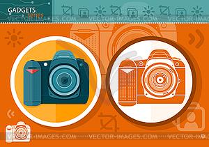 Digitalkamera in Rahmen auf orangefarbenen Hintergrund - farbige Vektorgrafik